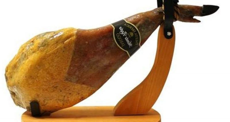 Jamonero de madera